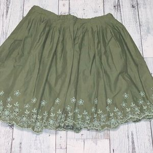 5 for $25 GAP Kids Green skirt